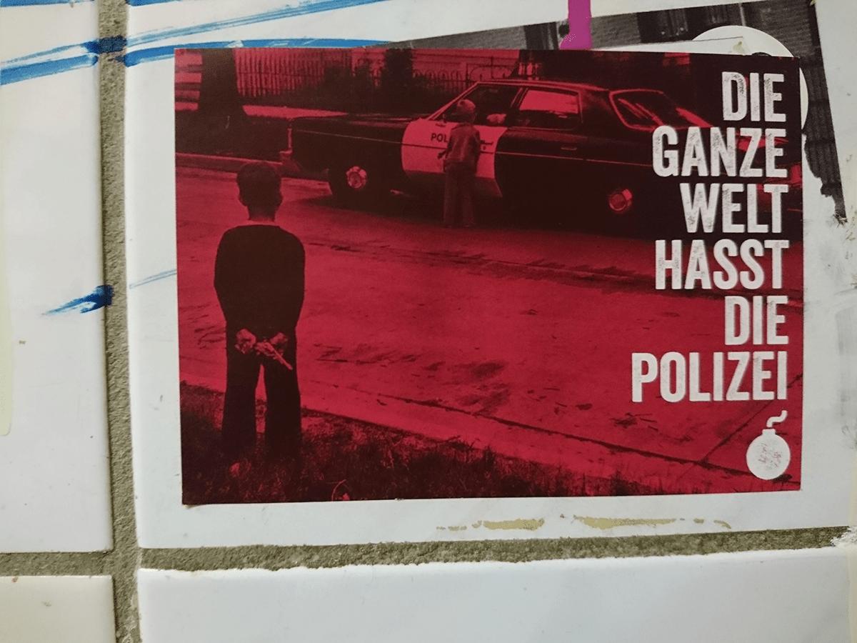 Polizei - Ist das Politik oder kann das weg?