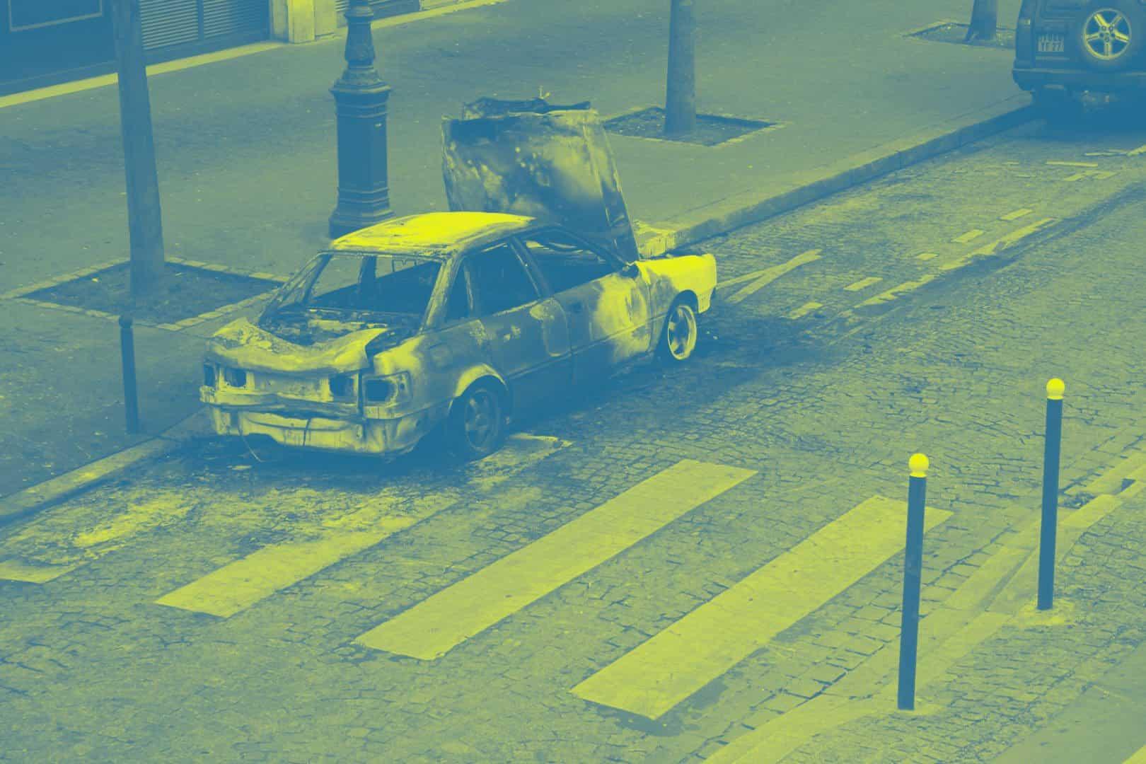 voiture brulee