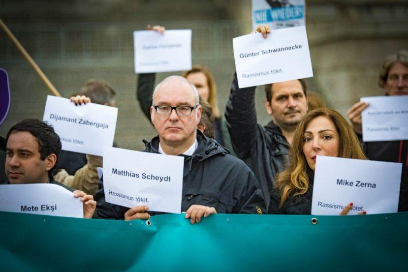 Protestaktion gegen die AfD vor der Konstituierung des Bundestages. Foto: Martin Heinlein